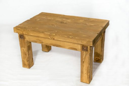 Distressed_pine_coffee_table